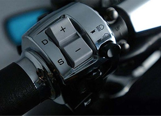 Honda DN-01 - Foto 18 di 34