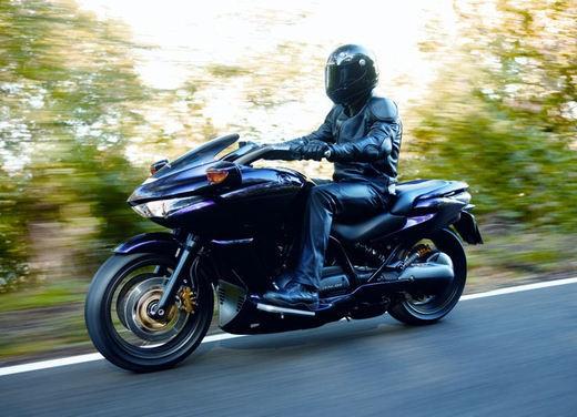 Honda DN-01 - Foto 3 di 34