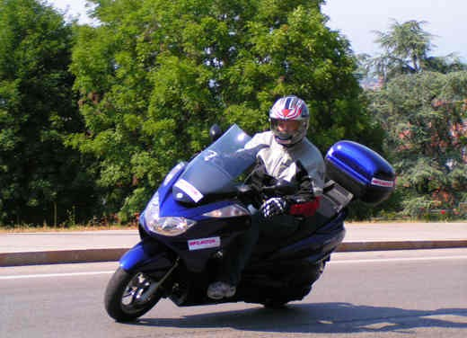 Yamaha Majesty 400: Test Ride - Foto 3 di 25