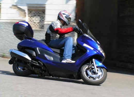 Yamaha Majesty 400: Test Ride - Foto 7 di 25