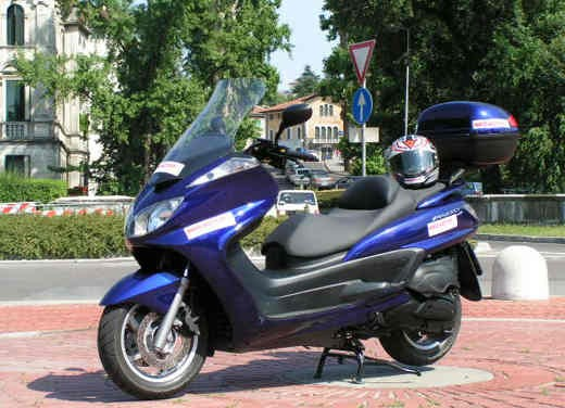 Yamaha Majesty 400: Test Ride - Foto 10 di 25