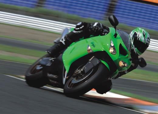 Kawasaki Ninja ZX-10R 2006 - Foto 9 di 21