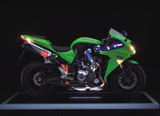 Kawasaki Ninja ZX-10R 2006 - Foto 14 di 21