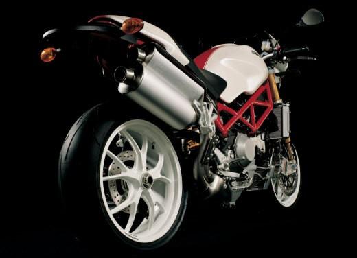 Ducati Monster S4Rs Testastretta - Foto 16 di 19