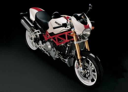 Ducati Monster S4Rs Testastretta - Foto 17 di 19