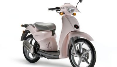 Aprilia Scarabeo 50 Rosa Make Up