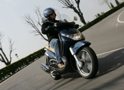 Piaggio Beverly 400 i.e. – Test Ride - Foto 8 di 13