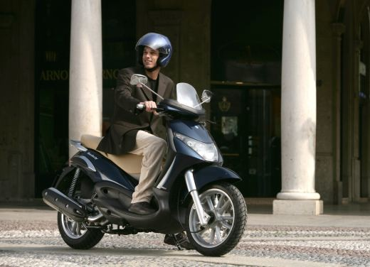 Piaggio Beverly 400 i.e. – Test Ride - Foto 9 di 13