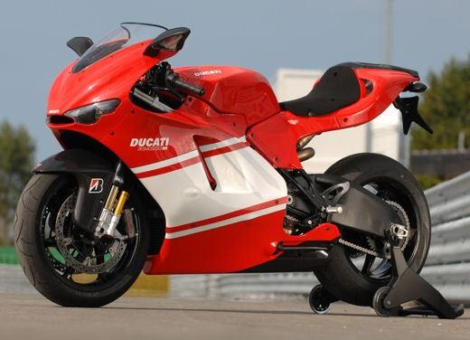 Ducati Desmosedici RR - Foto 32 di 35