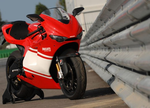 Ducati Desmosedici RR - Foto 33 di 35
