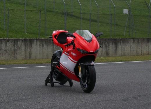 Ducati Desmosedici RR - Foto 11 di 35
