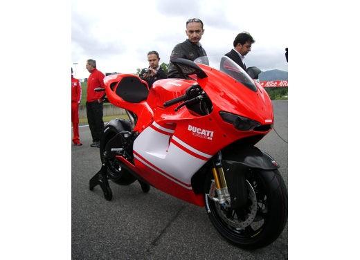 Ducati Desmosedici RR - Foto 12 di 35