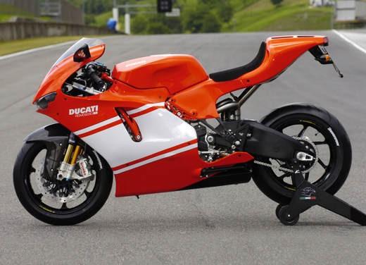 Ducati Desmosedici RR - Foto 19 di 35