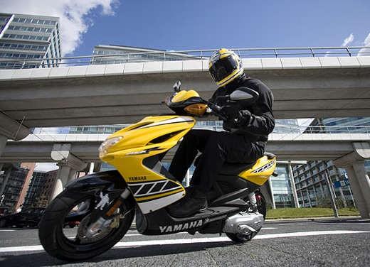 Yamaha Aerox R Special Version - Foto 3 di 10