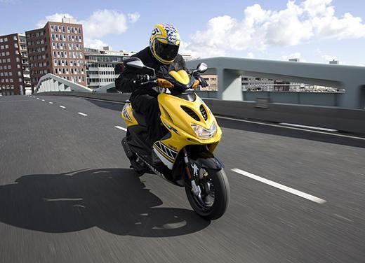 Yamaha Aerox R Special Version - Foto 4 di 10