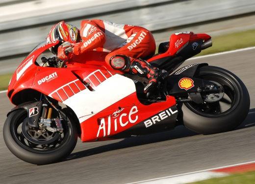 Ducati Desmosedici GP7 - Foto 4 di 11