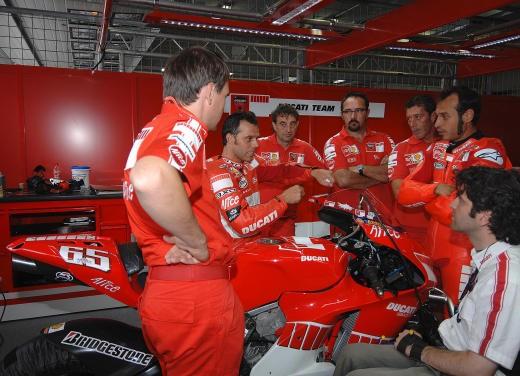Ducati Desmosedici GP7 - Foto 8 di 11