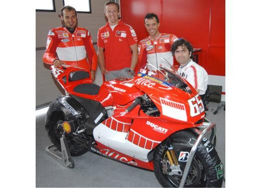 Ducati Desmosedici GP7 - Foto 9 di 11