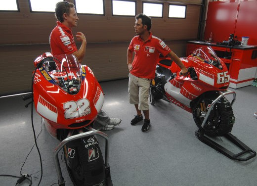 Ducati Desmosedici GP7 - Foto 11 di 11