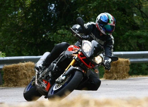 Aprilia Tuono 1000 R Factory – Long Test Ride - Foto 7 di 62