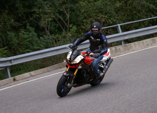 Aprilia Tuono 1000 R Factory – Long Test Ride - Foto 26 di 62