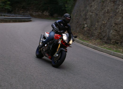 Aprilia Tuono 1000 R Factory – Long Test Ride - Foto 30 di 62