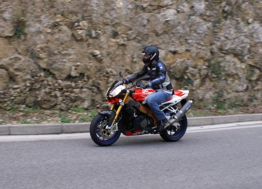 Aprilia Tuono 1000 R Factory – Long Test Ride - Foto 32 di 62