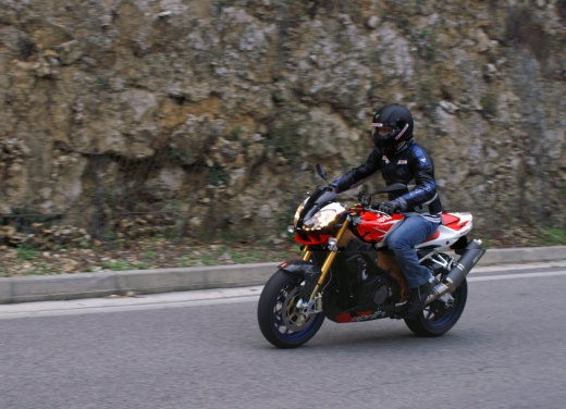 Aprilia Tuono 1000 R Factory – Long Test Ride - Foto 46 di 62