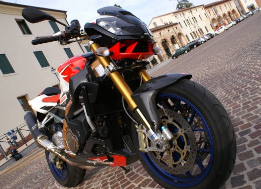 Aprilia Tuono 1000 R Factory – Long Test Ride - Foto 38 di 62