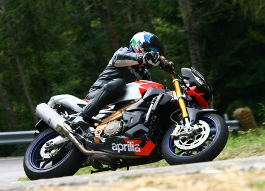 Aprilia Tuono 1000 R Factory – Long Test Ride - Foto 55 di 62