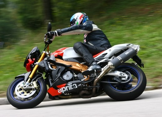 Aprilia Tuono 1000 R Factory – Long Test Ride - Foto 56 di 62