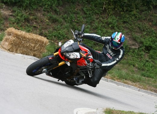Aprilia Tuono 1000 R Factory – Long Test Ride - Foto 57 di 62