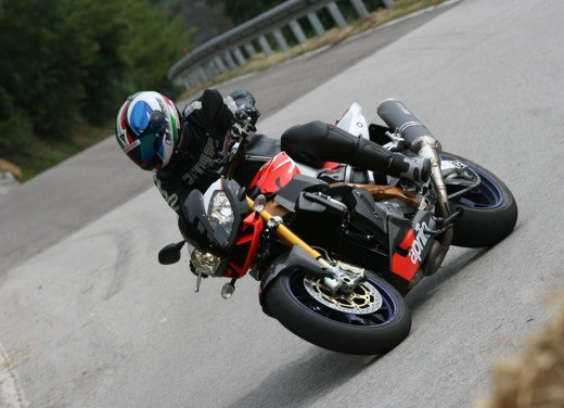 Aprilia Tuono 1000 R Factory – Long Test Ride - Foto 58 di 62