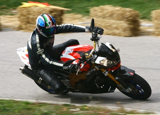 Aprilia Tuono 1000 R Factory – Long Test Ride - Foto 59 di 62