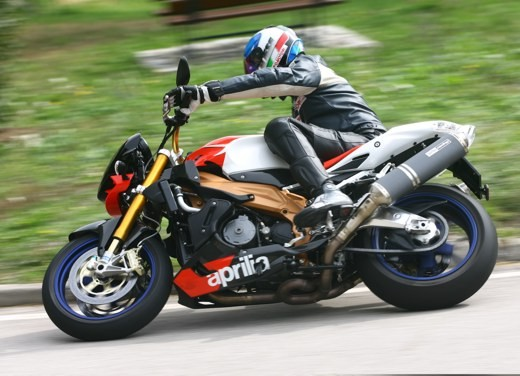 Aprilia Tuono 1000 R Factory – Long Test Ride - Foto 60 di 62