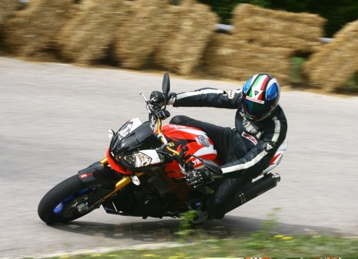 Aprilia Tuono 1000 R Factory – Long Test Ride - Foto 61 di 62