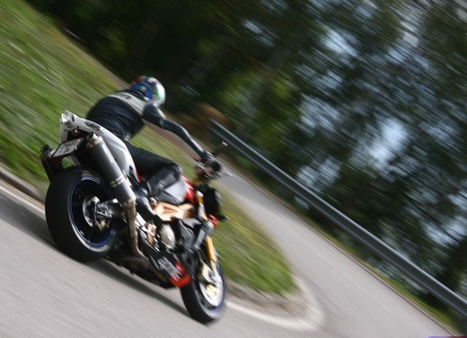 Aprilia Tuono 1000 R Factory – Long Test Ride - Foto 40 di 62