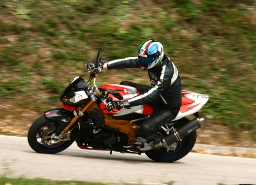 Aprilia Tuono 1000 R Factory – Long Test Ride - Foto 41 di 62
