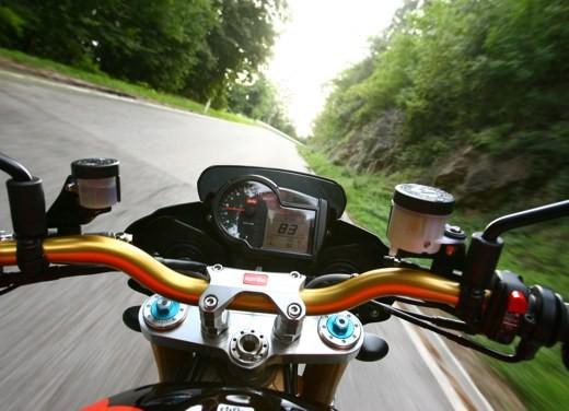 Aprilia Tuono 1000 R Factory – Long Test Ride - Foto 43 di 62