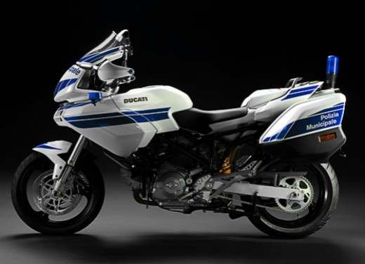 Ultimissime: Ducati 620 Multistrada Polizia - Foto 1 di 7