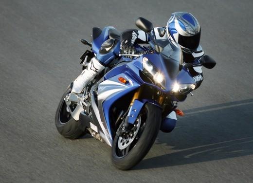 Yamaha R1 M.Y. 2007 - Foto 10 di 15