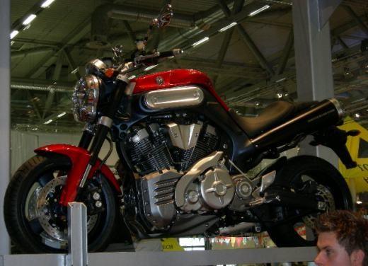 Yamaha all'Intermot 2006 - Foto 17 di 44