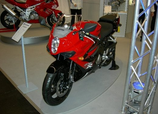 Hyosung all'Intermot 2006 - Foto 6 di 18