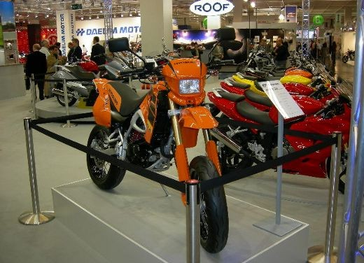 Hyosung all'Intermot 2006 - Foto 8 di 18
