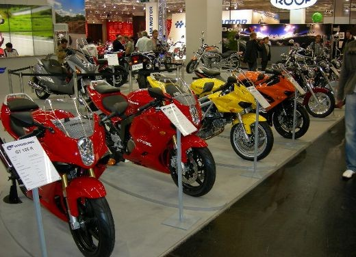 Hyosung all'Intermot 2006 - Foto 9 di 18