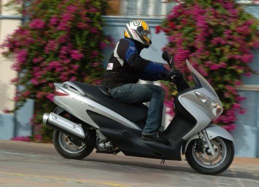 Suzuki Burgman 125 / 200 – Test Ride - Foto 12 di 28