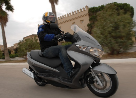 Suzuki Burgman 125 / 200 – Test Ride - Foto 14 di 28