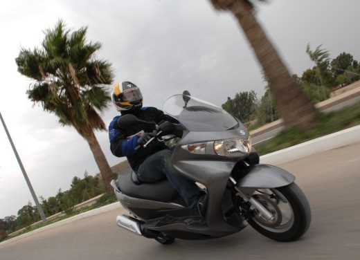 Suzuki Burgman 125 / 200 – Test Ride - Foto 18 di 28