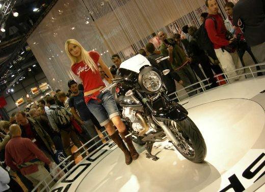 Moto Guzzi all'EICMA di Milano - Foto 7 di 14
