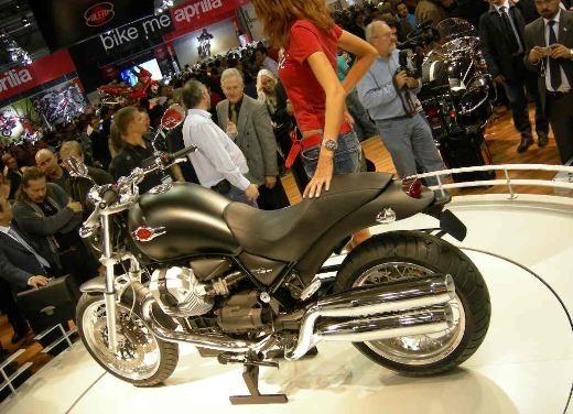 Moto Guzzi all'EICMA di Milano - Foto 9 di 14